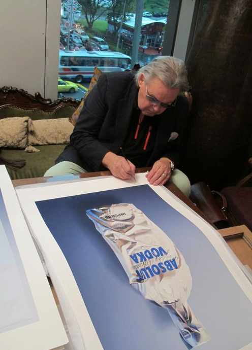 Yrjö Edelmann signs an autograph. Photo courtesy of MAD Museum of Art and Design.