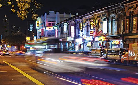 Geylang's steets come alive at night. Image courtesy of Morven Koh.