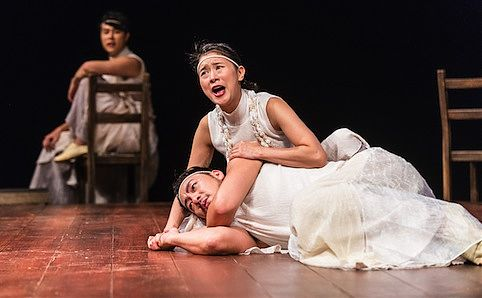 the role of the chorus in oedipus the king The role of the chorus chorus  the modern solution the full scale chorus the gospel at colonus an adaptation of oedipus at colonus the musical chorus captured.